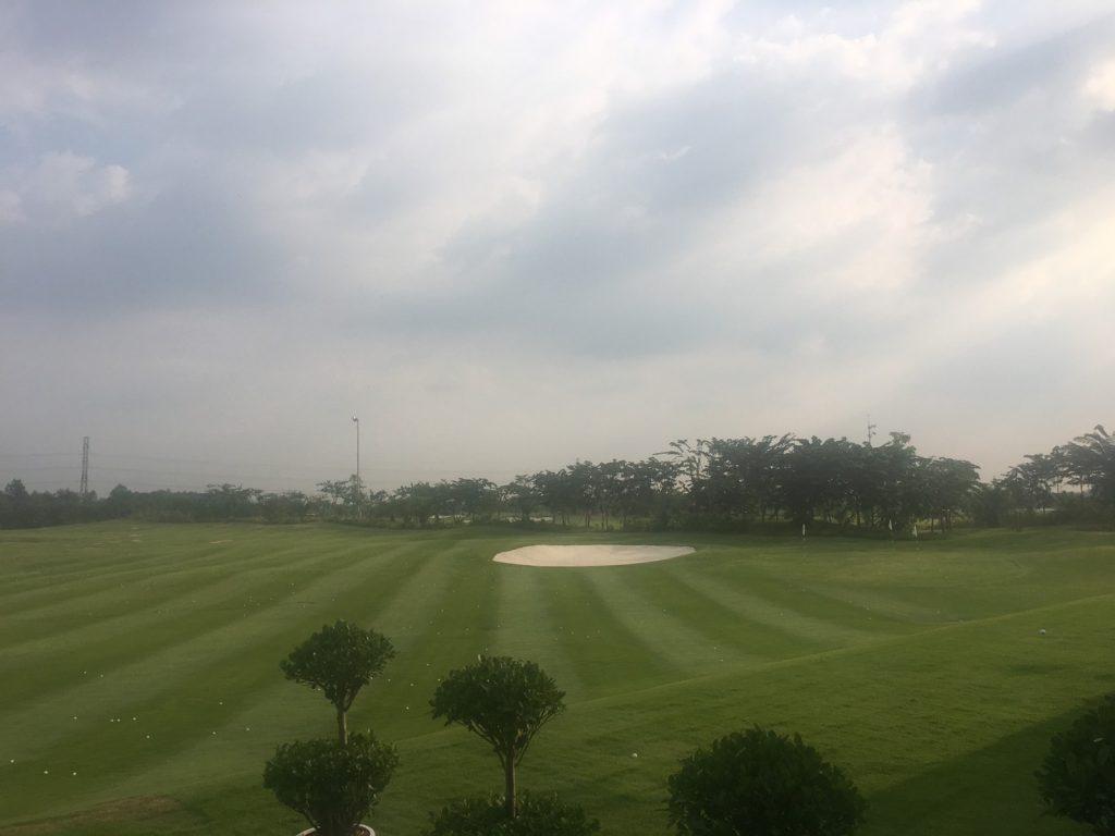 khach hang tap golf tai west lakes villas 3