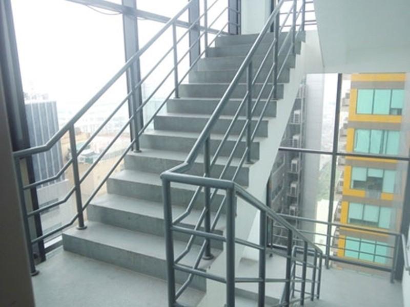 Tiêu chuẩn thang bộ được bố trí bên trong tòa nhà